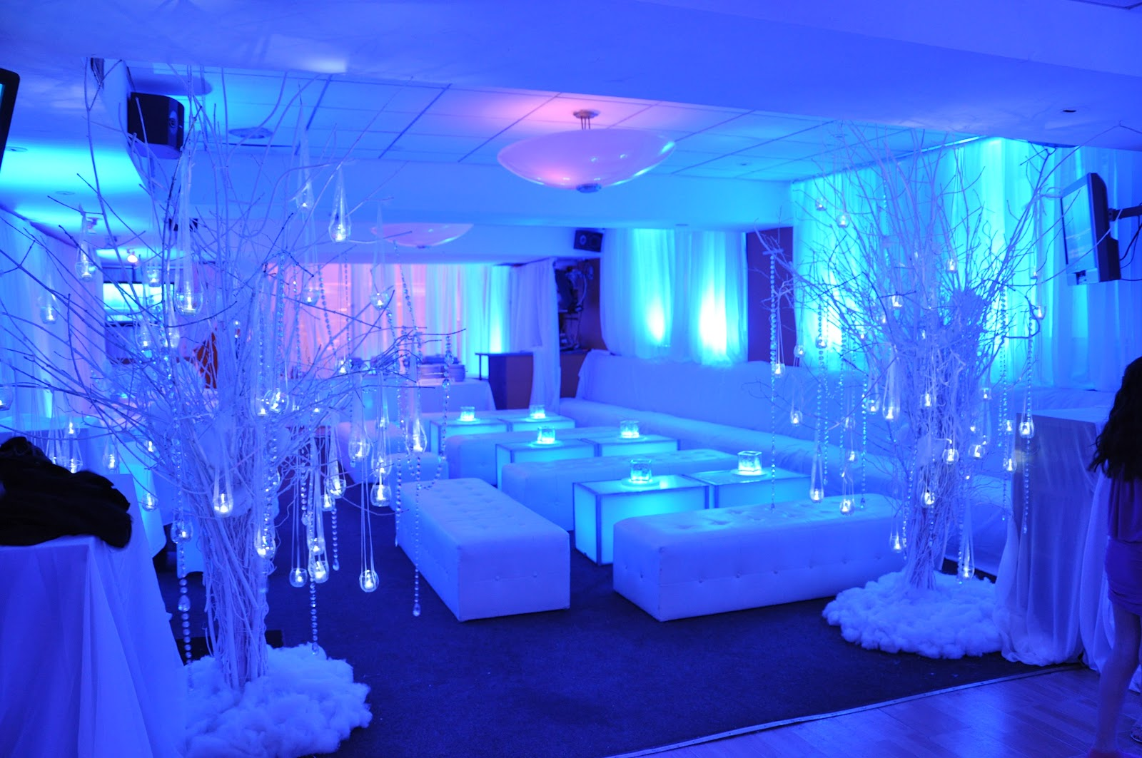 Weddings florist washington dc lounge decor in our last bat mitzvah - Lounge deco ...