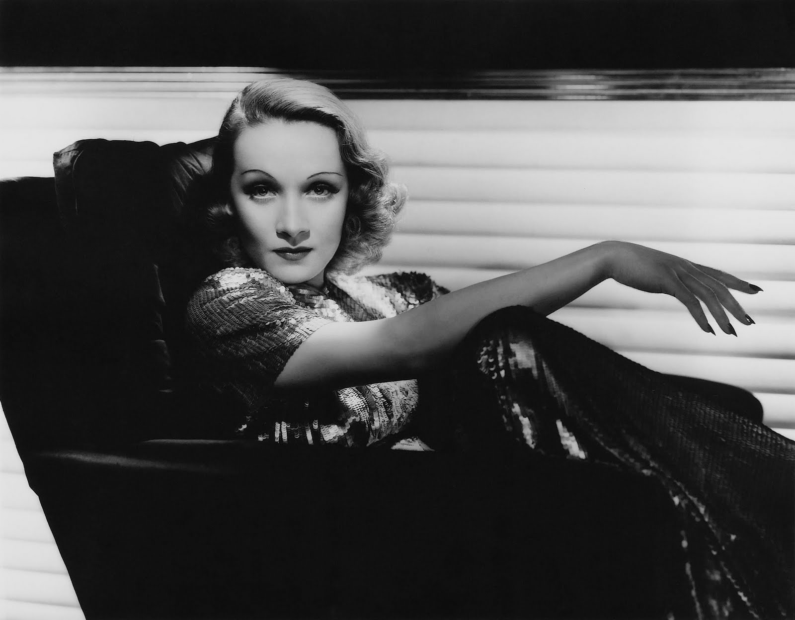 Marlene Dietrich - Go Away From My Window