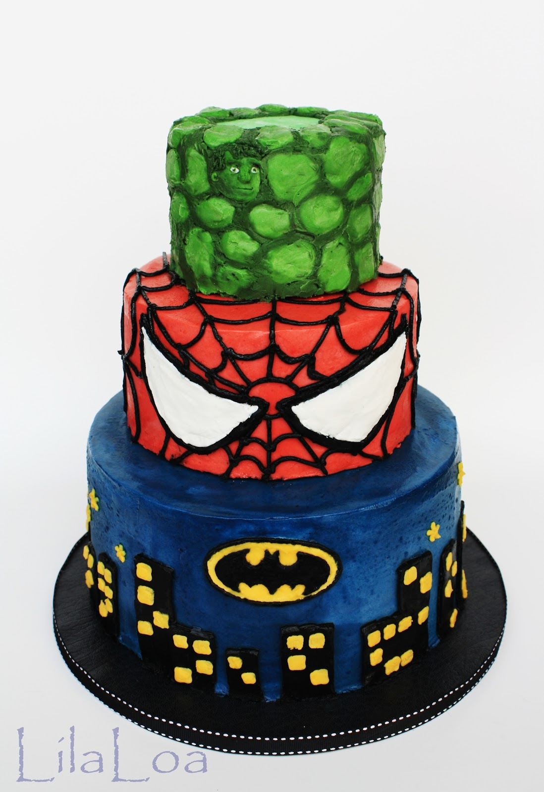 Here is the obvious superhero part of the cake. At least, I hope it39;s