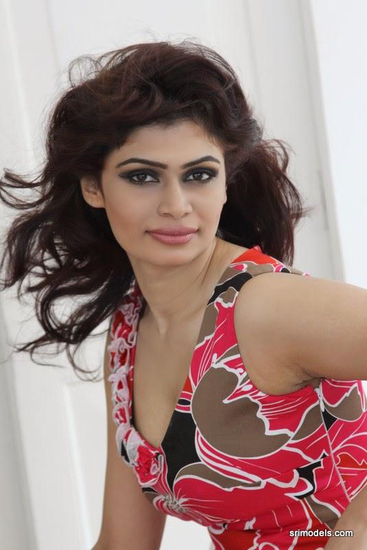 Hirunika Premachandra hot Cleavage - Lankan Stuffs