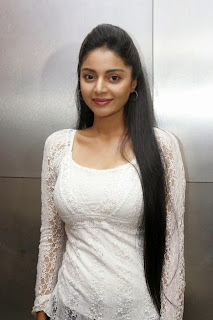 Sanam Shetty Looks Stunning in a White Tight Top at Katham Katham Movie Premiere Show