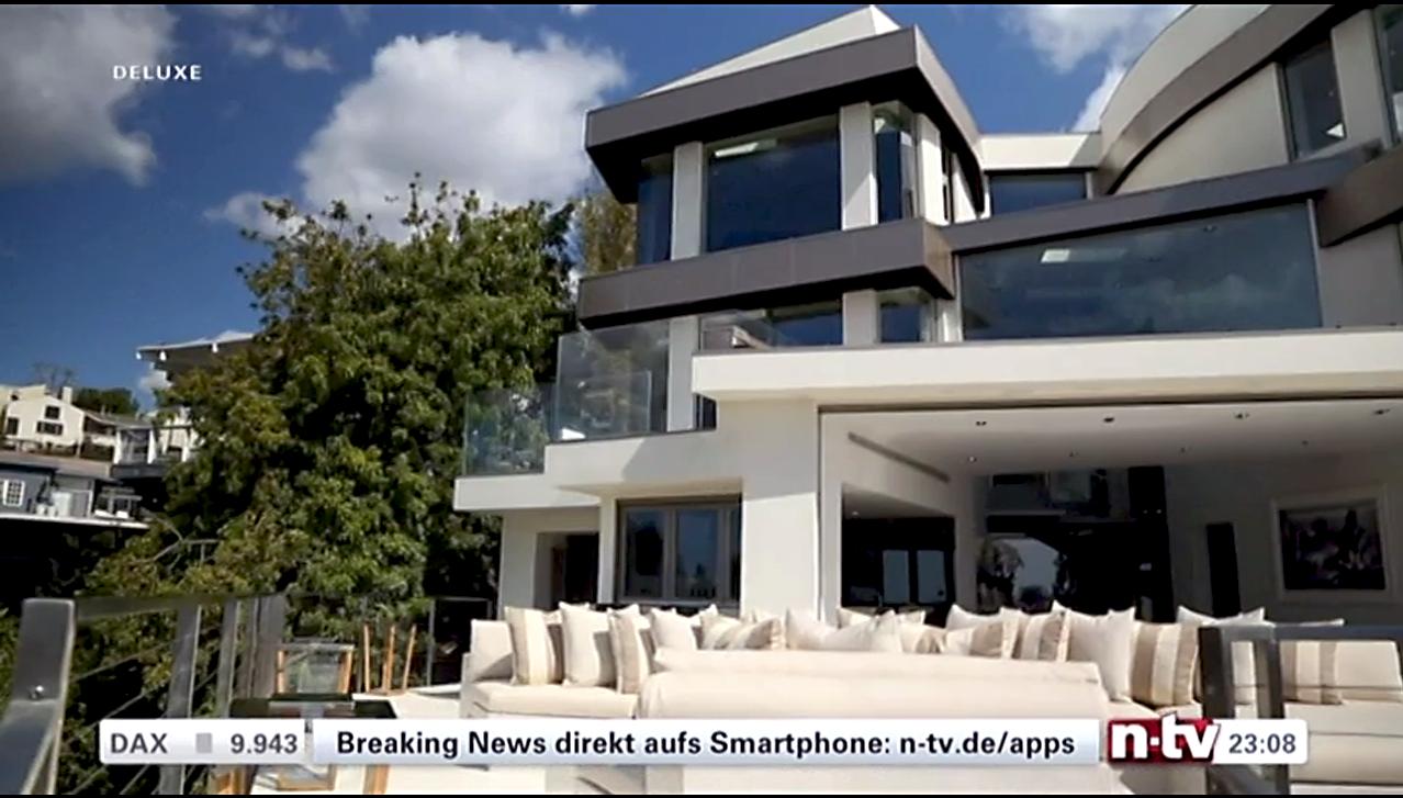 luxus immobilien by alexander mayer n tv deluxe million rin sucht luxusvilla in los angeles. Black Bedroom Furniture Sets. Home Design Ideas