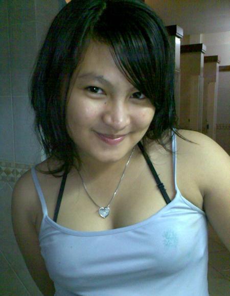 Martisha Gadis Cantik Suka Pamer