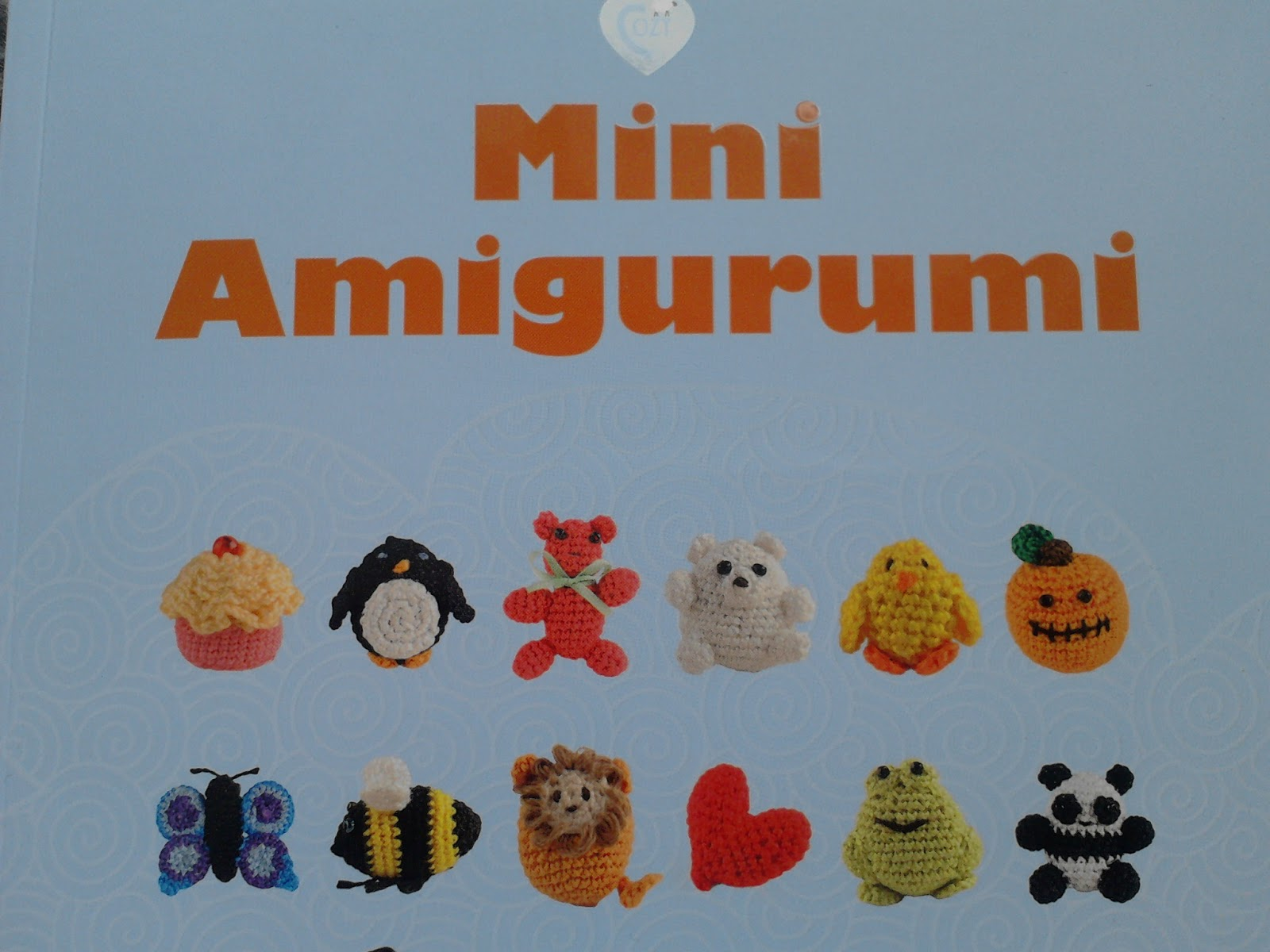 Amigurumi Mani : Big Blue Bed: Mini Amigurumi - Book Review
