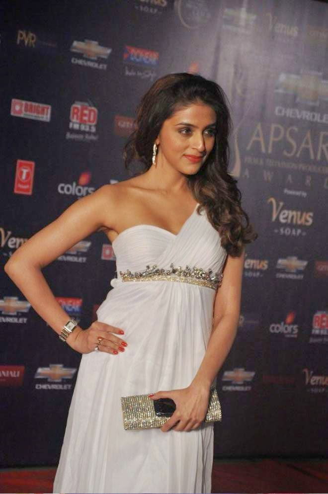 aarti chabria hot white dress photos