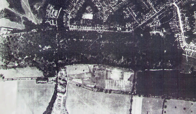 Photograph of Spring Park and surroundings taken by the Luftwaffe in 1942.  Click on it to see it enlarged.