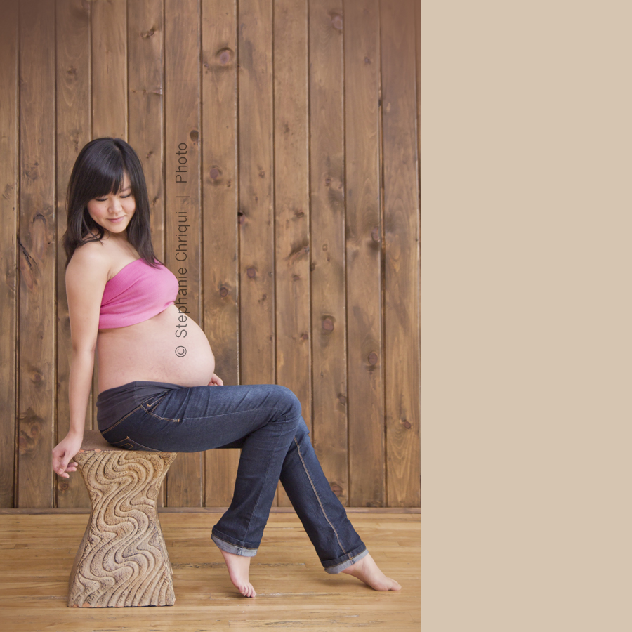 Maternity Belly Band One of our more popular maternity accessories is the supportive belly band. The seamless design of the belly band allows you to wear it over any waistband to keep it closed, keeping you in your regular clothes longer.