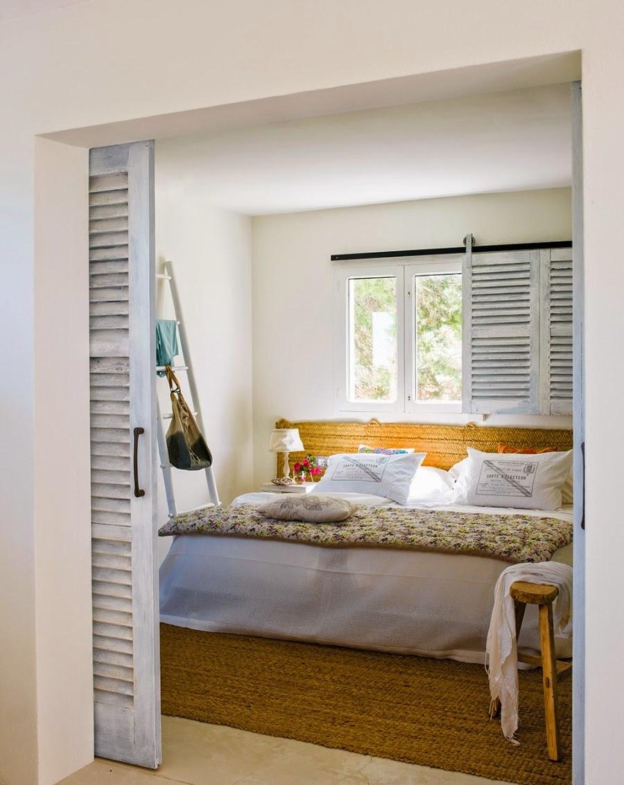 wystrój wnętrz, home decor, wnętrza, aranżacje, białe wnętrza, domek wakacyjny, styl skandynawski, sypialnia, łóżko, drabina