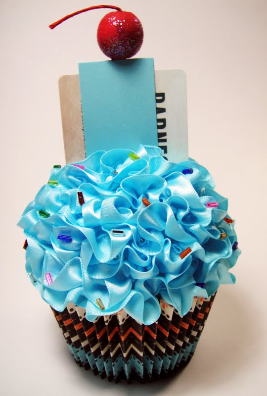 Tracys Stamping Corner Happy Birthday Cupcake Gift Card Holder