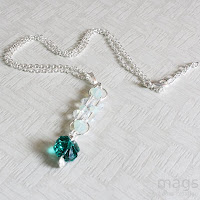 Clover Pendant by MagsBeadsCreation