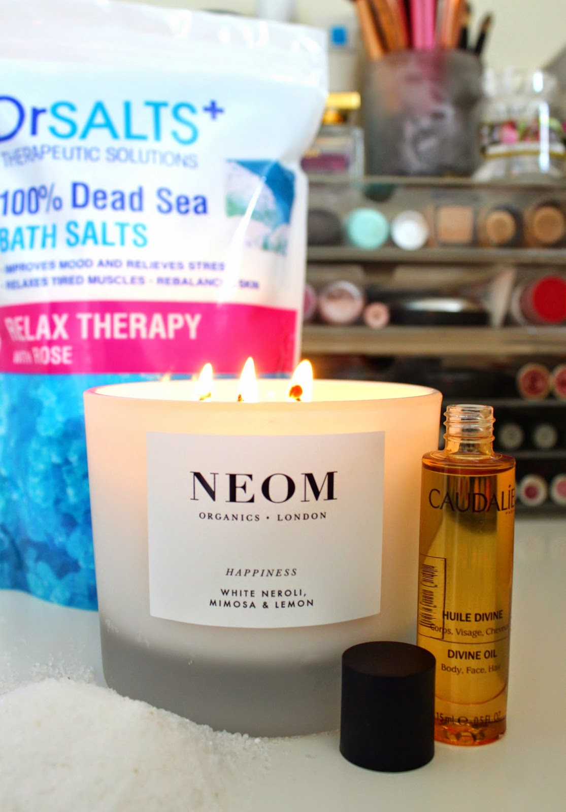 NEOM-ORGANICS-HAPPINESS-CANDLE