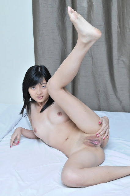 Singapore FHM Models 2012 Winner Jamie Ang Leaked Nude Photos indianudesi.com