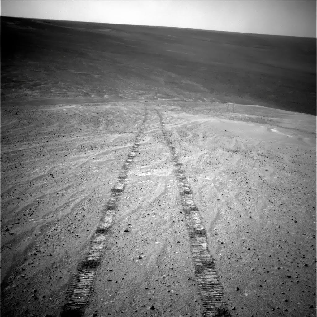 Следы колес марсохода Opportunity