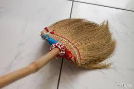 di mexico percaya bahwa menyapu lantai tidak boleh mengenai anak gadis