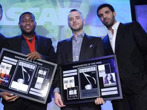 """>News // Drake Fait La Une Avec Le Premier Single De """"Take Care"""", Son Prochain Album"""