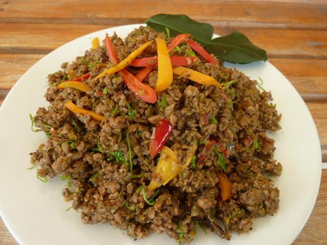 Spaces and Spices: Khua Kling - คั่วกลิ้ง - ein trockenes Thai-Curry ...