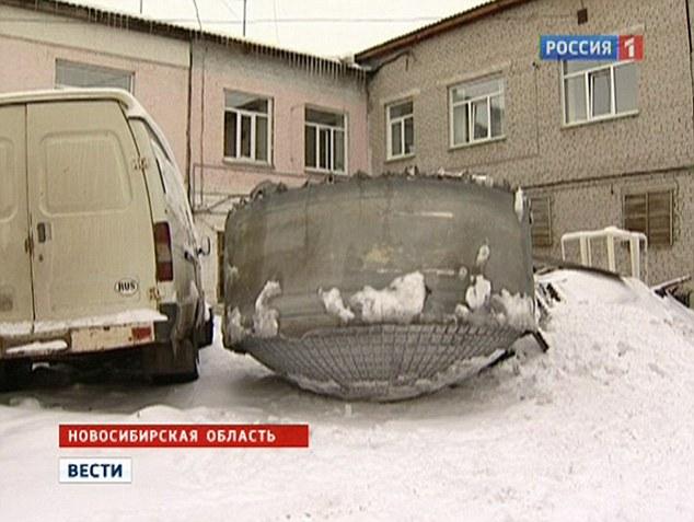 Rusia: Extraño objeto de 200 Kg cae del cielo
