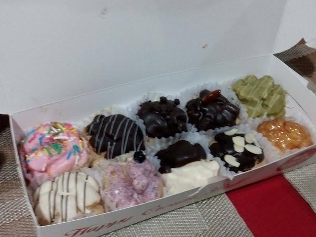 assorted cream puffs