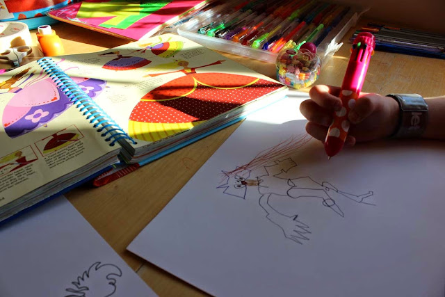 girl drawing, arts and crafts, we draw, we colour, todaymyway.com