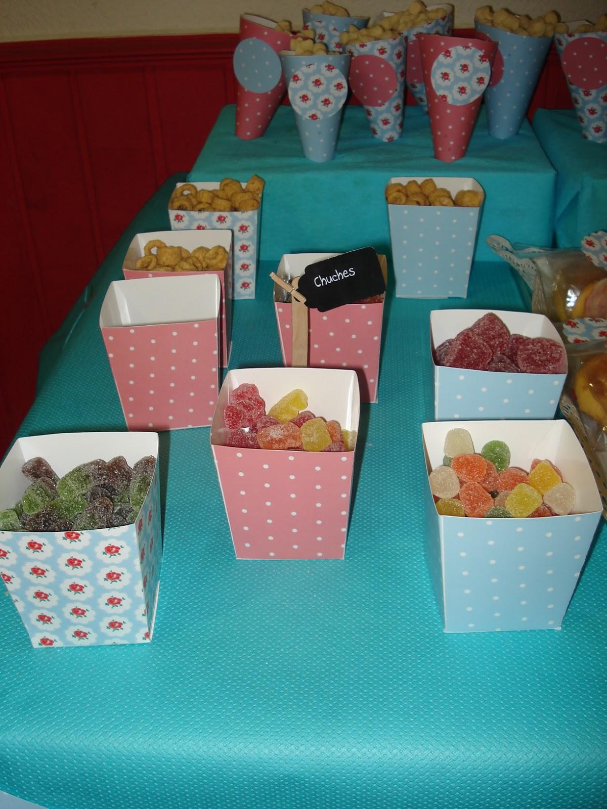 Dulces para fiestas de cumpleaos galletas y dulces para for Mesas dulces cumpleanos
