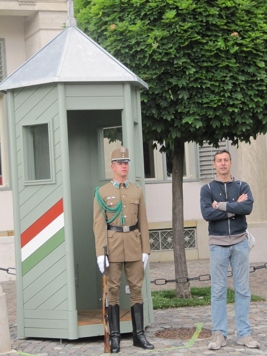 Palacio Sándor, cambio de guardia budapest