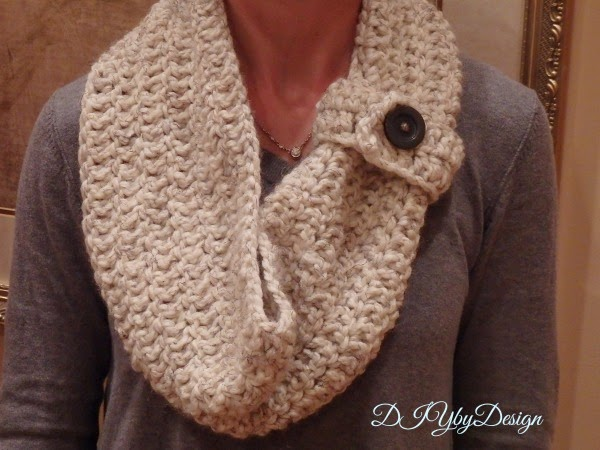 Crocheting Ends Of Infinity Scarf Together : DIY by Design: 30 Minute Crochet Infinity Scarf