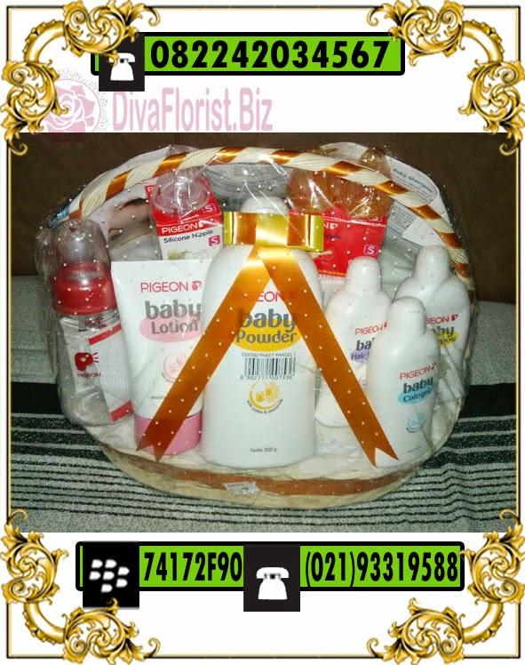 parcel perlengkapan baby born gift