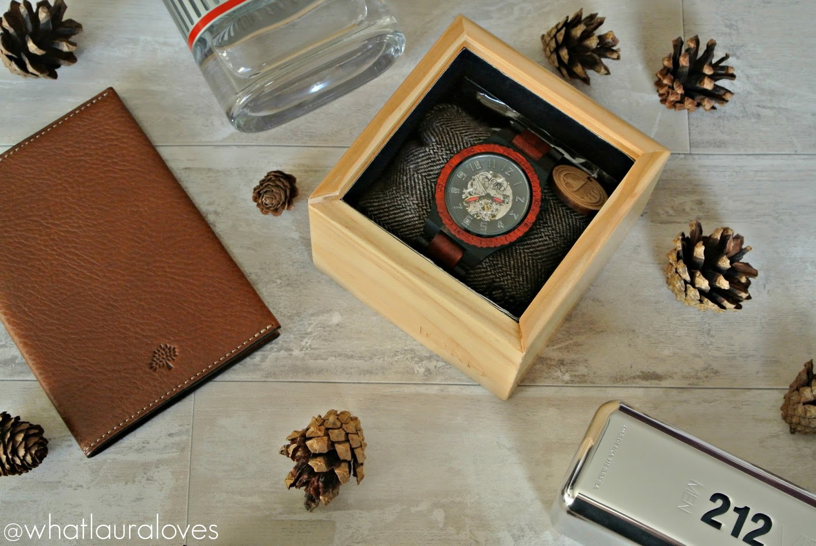 Jord Wood Watches Dover Ebony and Rosewood Watch Review Mens Christmas Gift Prada 121 Aftershave EDT Mulberry Passport Holder