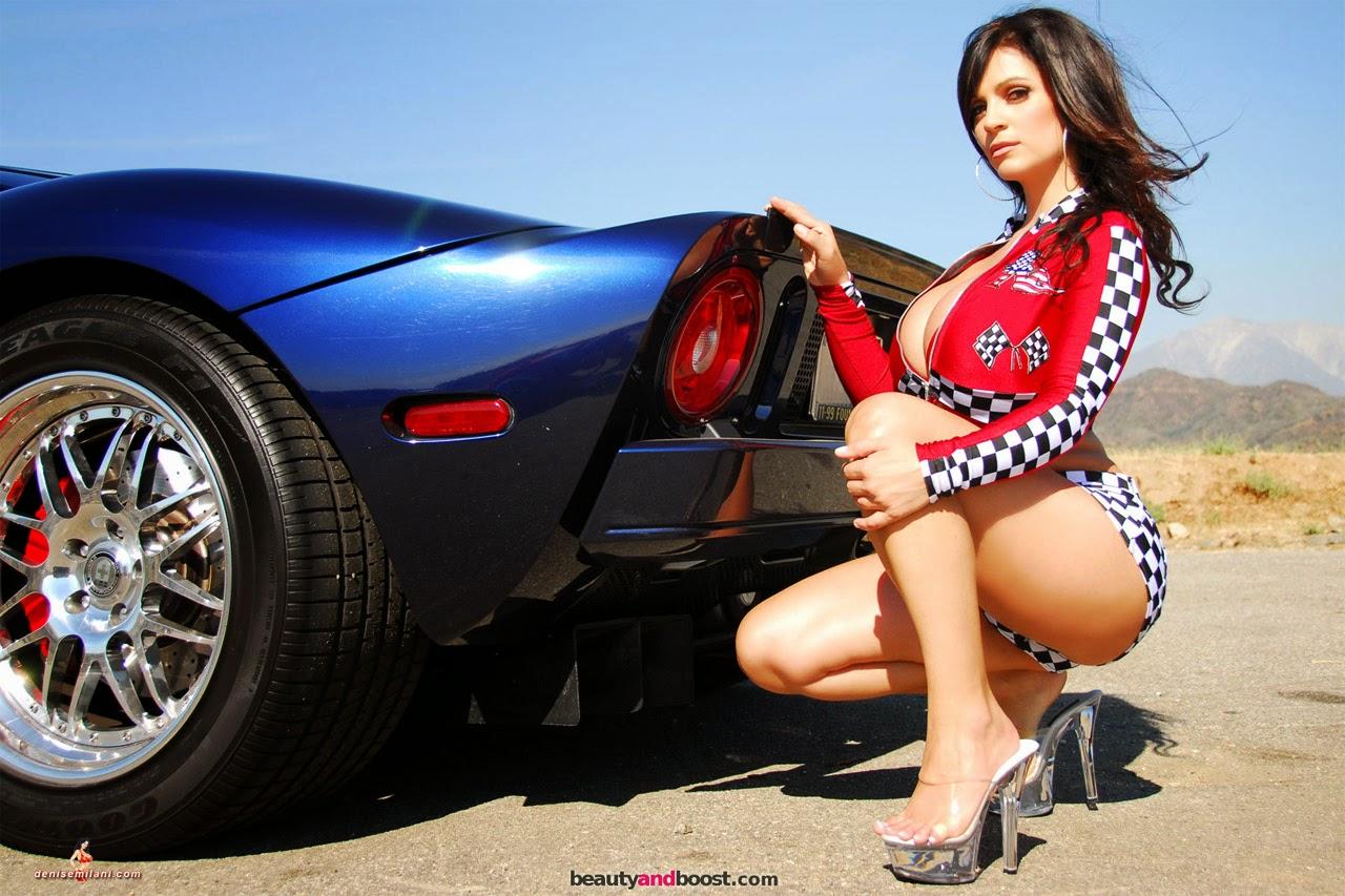 Chicas y autos la mejor combinación