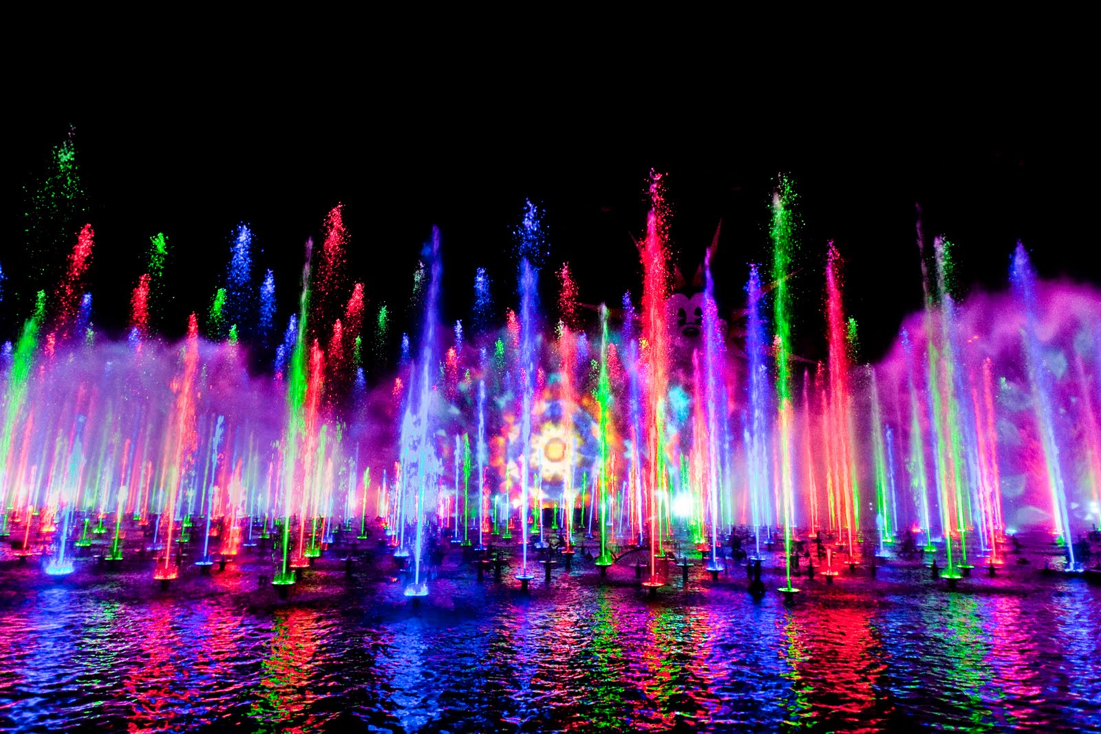 world of color World of color viewing tips the world of color is standing room only but there are dedicated areas for wheelchairs and a few spots for people who have trouble .