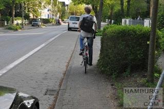"""""""Radweg"""" Hummelsbütteler Hauptstraße"""