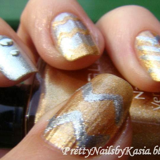 http://prettynailsbykasia.blogspot.com/2014/10/31dc2014-day-8-metallic-nails-czyli.html