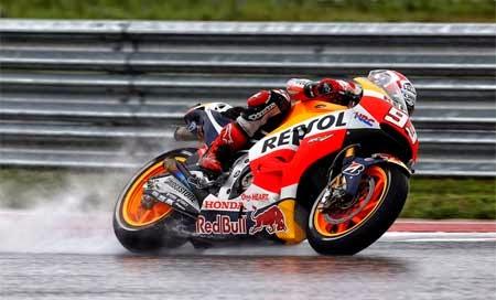 foto Marquez di arena MotoGP 2015