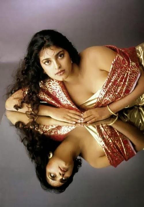 golie-indiyskie-aktrisi