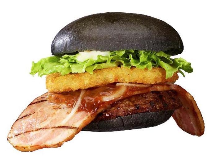 Around the World  Burger King Japan - New  quot Black Ninja quot  BurgerBurger King Guy Thumbs Up