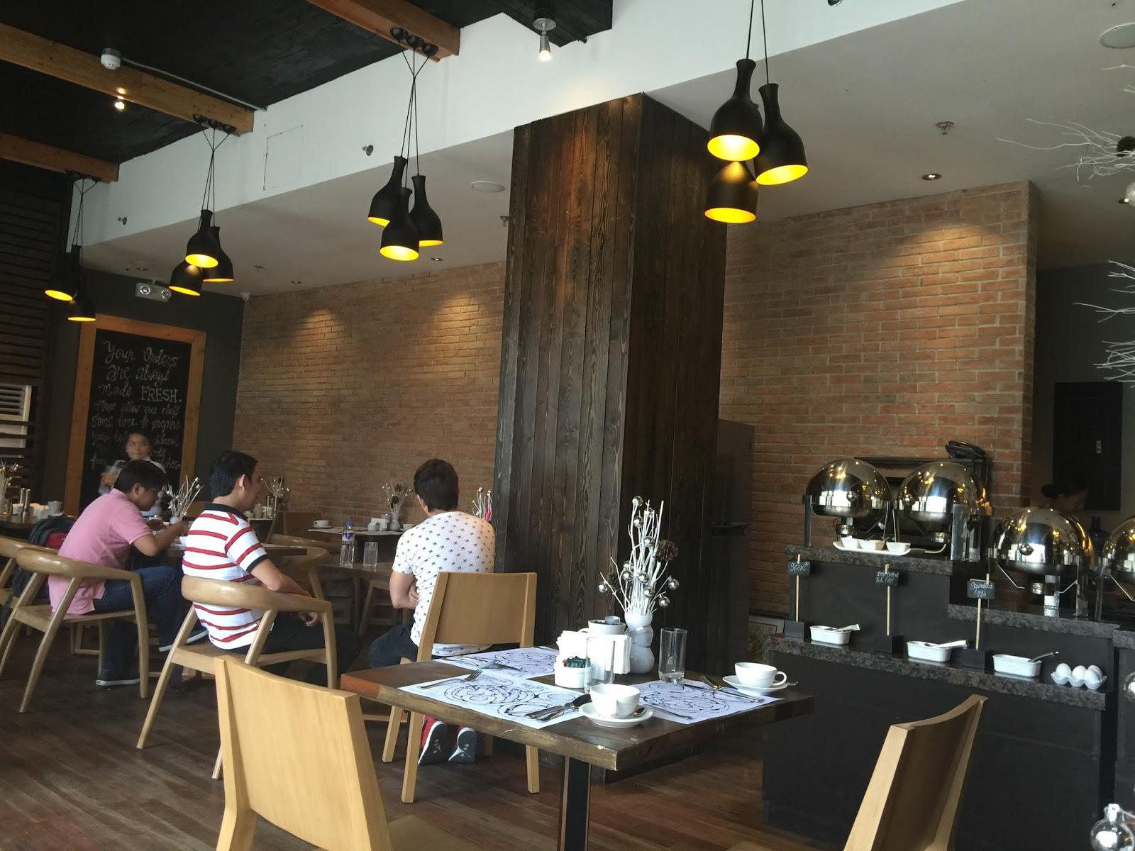 I Love Cebu: Online Travel Guide: Cuarto Hotel Restaurant Lobby