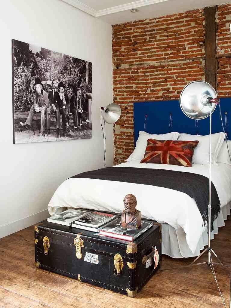Brick Wall in bedroom ściana z cegły w sypialni