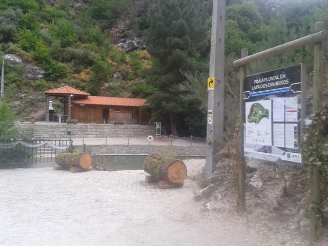 Praia Lapa dos Dinheiros