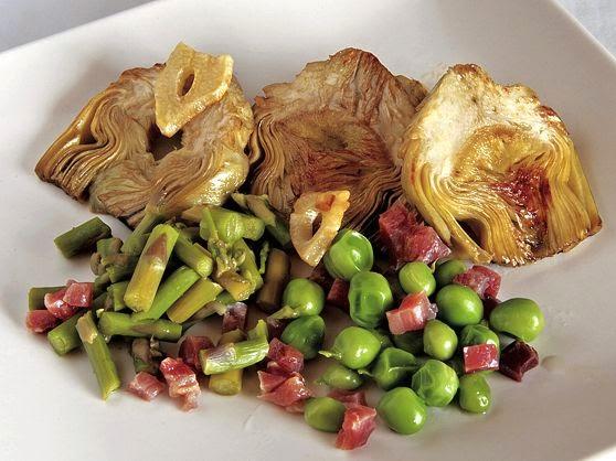 La gastrocinemia alcachofas al ajillo con guisantes for Cocinar alcachofas