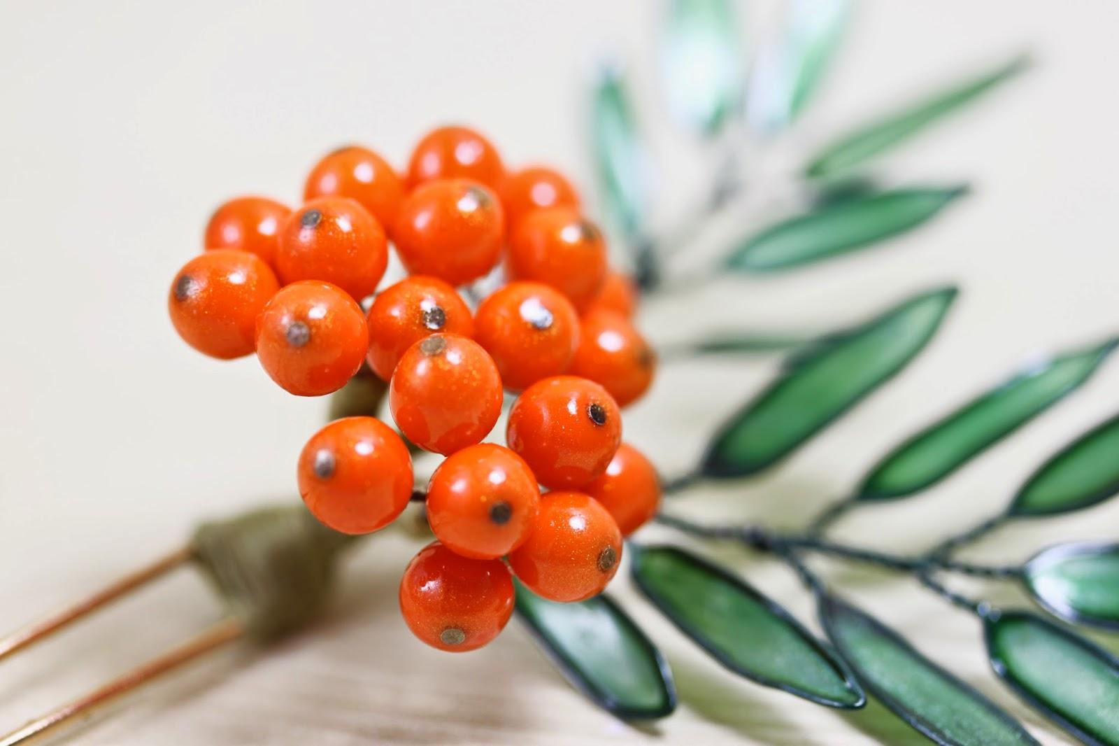 Rowan Berry Hair Pin