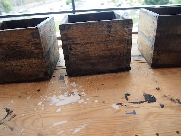 Maceteros recordando la t cnica del transfer sobre madera for Manualidades con madera vieja