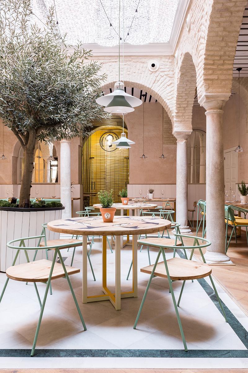 A desperate lifestyle - Azulejos patio andaluz ...