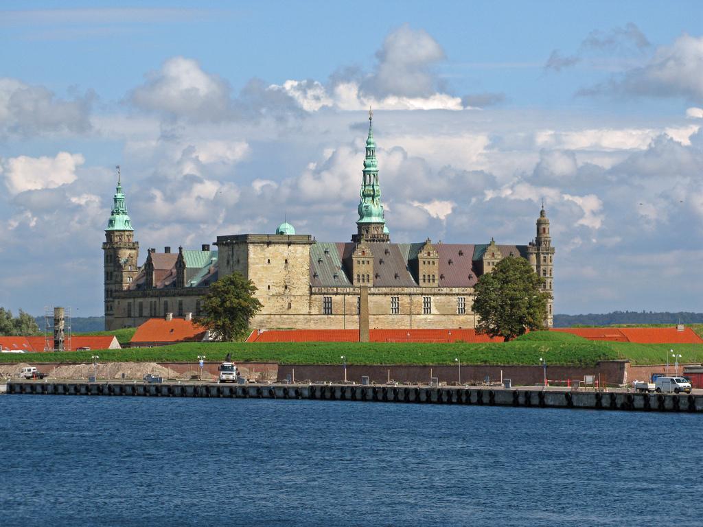 World Tourist Places Copenhagen - Where is copenhagen located