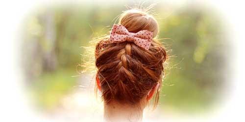 peinados originales moño con lacito y trenzas
