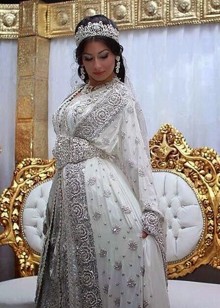 caftan blanc sari