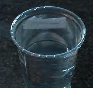 Experimentos Caseros efectos jabón agua alfiler