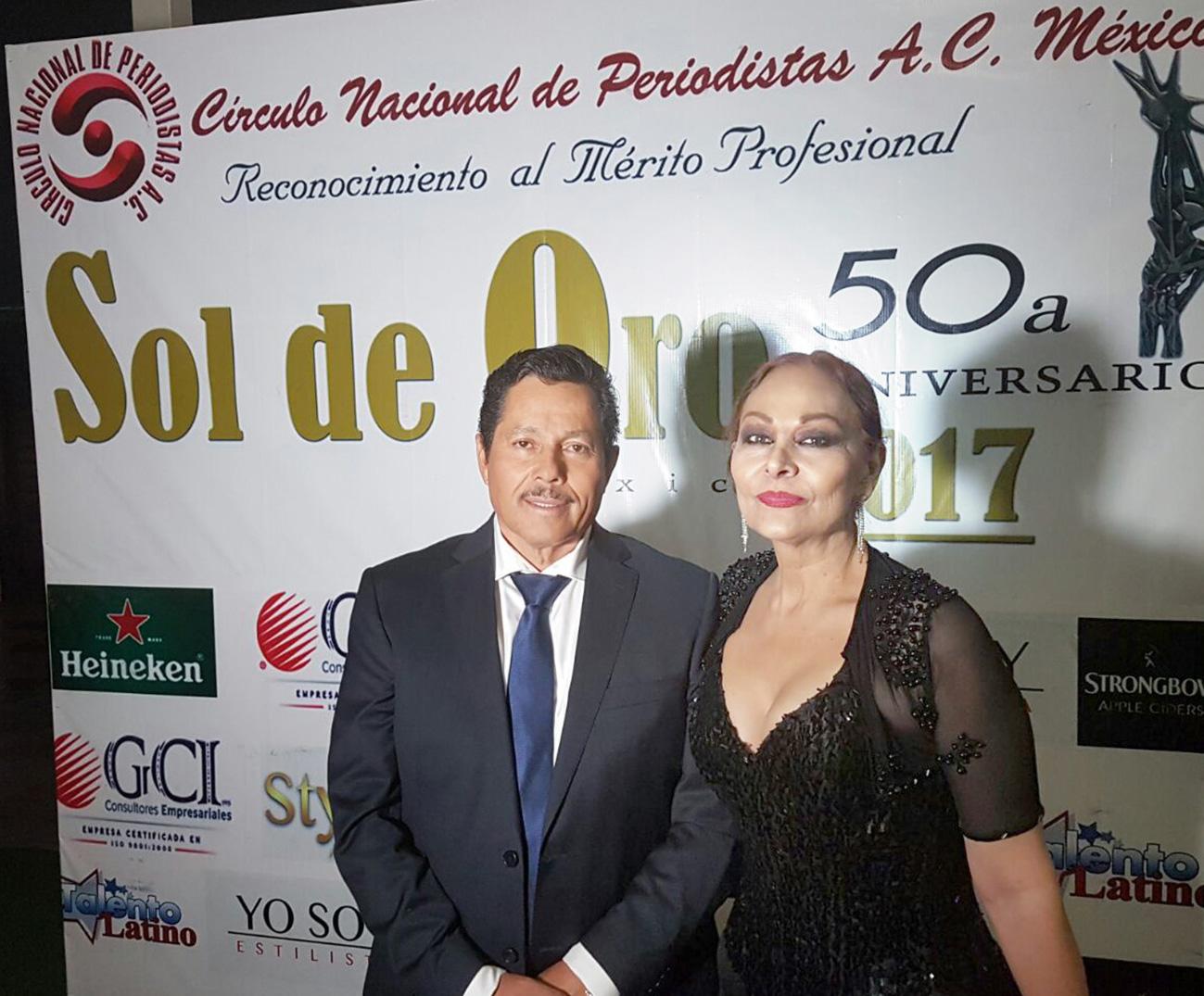 "RECIBE ALCALDE RICARDO GALLARDO PREMIO NACIONAL ""SOL DE ORO 2017"""