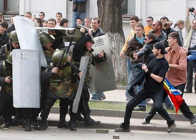 revolutie-in-moldova-2009.jpg