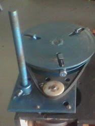 Maquina de cortar panela de pressão!