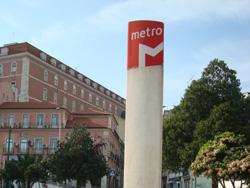 Lisbon metro sign